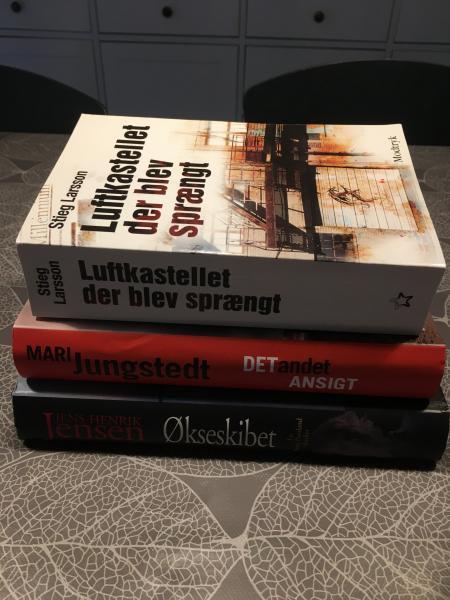 Forskellige bøger/krimier